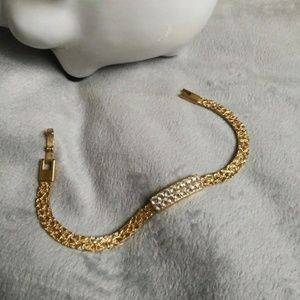 Jewelry - Beautiful nugget gold toned bracelet